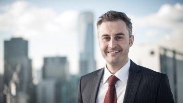 Jon Ellis is the founder of Investorist and has opted for a marketing approach based on education.