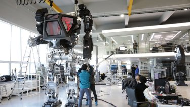 """Testing the manned robot """"Method-2""""."""