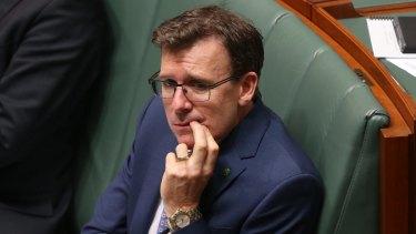20,000 wrong debts: Human Services Minister Alan Tudge.