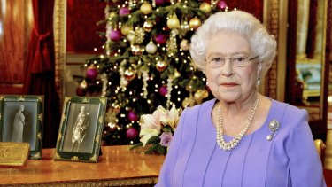 Britain's Queen Elizabeth has 'cancelled and annulled' the honour of Commander of the Order of the British Empire she awarded Rolf Harris in 2006.