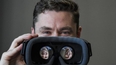 Pieter Rossouw at Sydney Phobia Clinic with the virtual reality headset technology