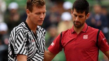 Novak Djokovic beat Tomas Berdych 6-3 7-5 6-3 to reach the French open semi-finals.