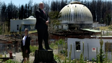 Vice-chancellor Professor Ian Chubb and Mt Stromlo Obesrvatory director Penny Sackett discussed the future of Mt Stromlo at a press conference.