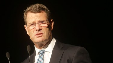 Woolworths chief executive Grant O'Brien will retire after less than four years in the job.