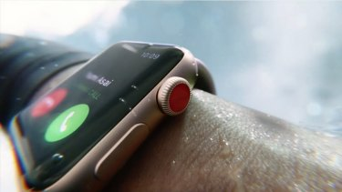 Apple Watch Series 3 with LTE looks almost identical to the previous version, but with a red dot on the crown.