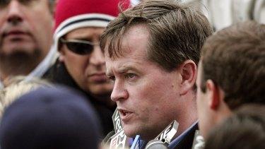 Bill Shorten talks to media outside the Beaconsfield mine in 2006.