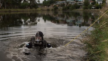 Police search and rescue divers scour the Maribyrnong river in February.    27th February 2015. Photo by Jason South