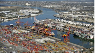 There is a political stoush surrounding plans to privatise Port of Melbourne.