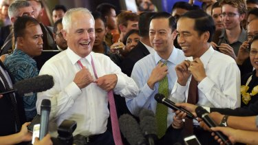 Indonesian Trade Minister Thomas Lembong (middle) with Australian Prime Minister Malcolm Turnbull and Indonesian President Joko Widodo in Jakarta last year.