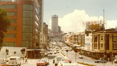 A photo of the sign at the top of William Street, around 1975.