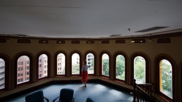 The octagonal room.
