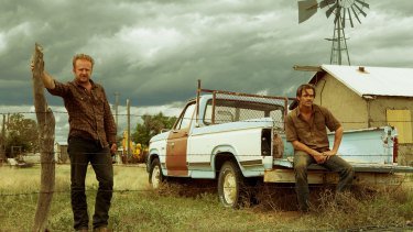 Texan brothers Toby (Chris Pine) and Tanner (Ben Foster) decide to rob the branches of the bank threatening to foreclose on their family land in <i>Hell or High Water</i>.