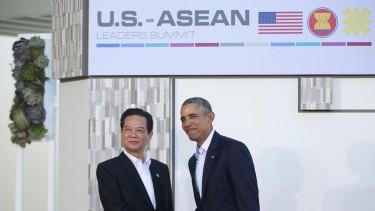 President Barack Obama greets Vietnamese Prime Minister Nguyen Tan Dung.