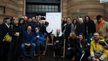 Sydney's leading gallery owners have signed an open letter calling on the NSW government to preserve the independence of Sydney College of the Arts.