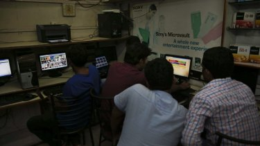 India has ordered Internet service providers to block access to more than 850 adult websites.