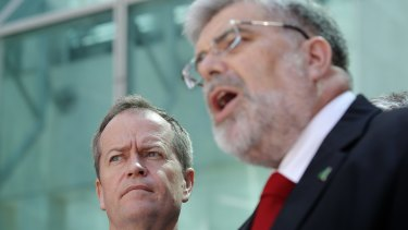 Labor senator Kim Carr has been kept on the frontbench by party leader Bill Shorten, following a factional spat.