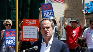 'This is a government of censorship': Bill Shorten at the Melbourne rally.