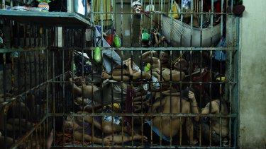 An overcrowded cell in Manila.