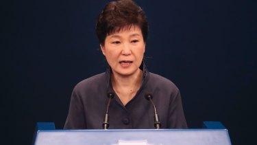 South Korean President Park Geun-hye offers a public apology over the Choi Soon-sil affair on October 25.