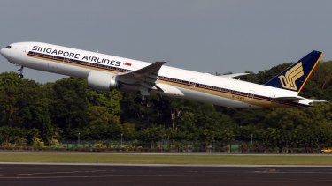 Singapore Airlines received a bomb threat against its San Francisco flight on Sunday.