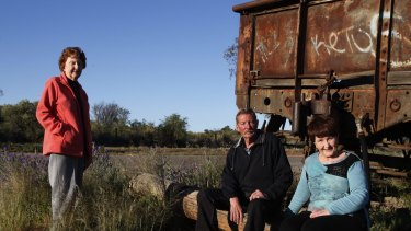 """Siblings Lorraine Cole, Barry """"Fred"""" Cowie and Peggy Corney visit the site of the Broken Hill picnic train attack where their aunt, Alma Cowie was shot dead in 1915."""