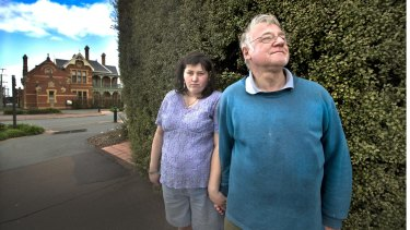 Euroa couple Jacinda and Arthur Eastham, who were sold a course by a Phoenix Institute salesman.
