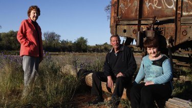 "Lorraine Cole, Barry ""Fred"" Cowie and Peggy Corney visit the site of the Broken Hill picnic train attack where their aunt, Alma Cowie, was shot dead in 1915."