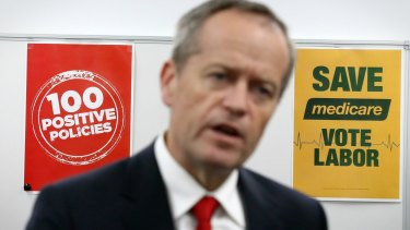 Opposition Leader Bill Shorten meets with volunteers at the SA Labor campaign office.