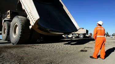 Foreign investors would bring a truckload more capital into local gold stocks if mine lives were longer