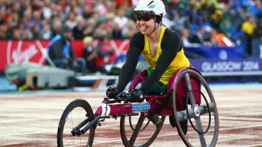 Angie Ballard overtook the leader Diane Roy of Canada on the final staright.