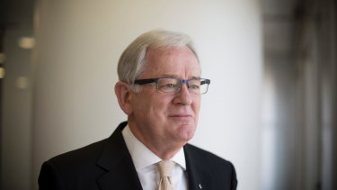 "Trade Minister Andrew Robb says MPs agitating for leadership change should ""pull their heads"" in."