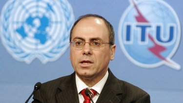 Silvan Shalom, then Israel's foreign minister, in Tunisia in 2005.
