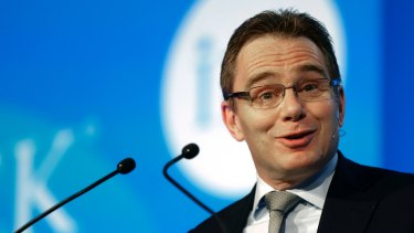 BHP Billiton chief Andrew Mackenzie has vowed to maintain the company's generous dividend despite weak commodity prices.