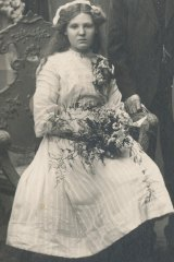 Pictured here at her sister's wedding in 1911, Alma Cowie was shot dead when a picnic train was attacked leaving Broken Hill on New Year's Day 1915 in Australia's only attack on home soil during World War I.