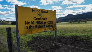 A plan for a new coal mine by Korean power company KEPCO has divided Bylong farmers, with some selling out.