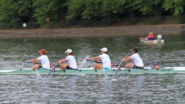 Researchers compared prehistoric women bones with those of athletes including Cambridge University Women's boat crews.