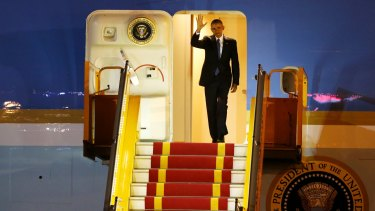 US President Barack Obama arrives on Air Force One at Noi Bai International Airport in Hanoi, Vietnam, on Sunday.