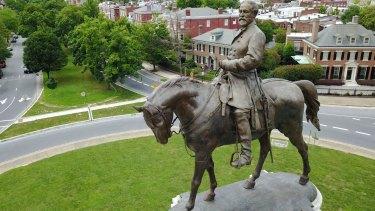 A statue of Confederate General Robert E. Lee  in Richmond, Virginia.