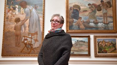 Chair of the Castlemaine Art Museum board Jan Savage addressed gallery members at Castlemaine Town Hall on Wednesday.