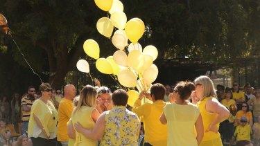 Friends release balloons in honour of murdered Leeton school teacher, Stephanie Scott.