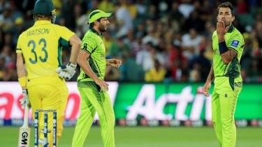 No love lost: Pakistan's Wahab Riaz blows a kiss to Australia's Shane Watson.