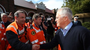 Malcolm Turnbull thanks volunteers in Picton.