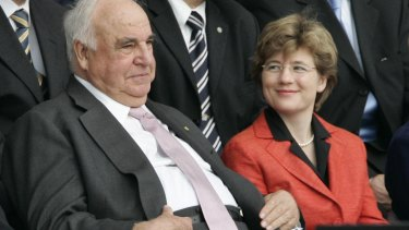 Former German Chancellor Helmut Kohl and his second wife, Maike Richter.