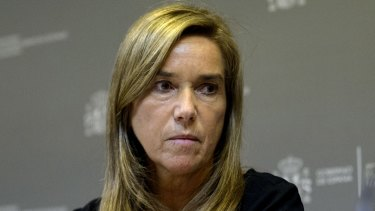 Investigating the new Ebola case ... Spanish Minister of Health, Social Services and Equality Ana Mato.