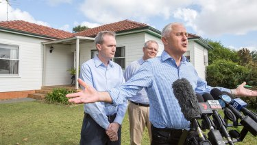 Prime Minister Malcolm Turnbull, Treasurer Scott Morrison and local member David Coleman visit a home in Penthurst in 2017 to talk about negative gearing.