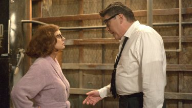 Susan Sarandon as Bette Davis and Alfred Molina as director Robert Aldrich.