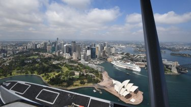 A shot of Sydney from a Sydney Seaplanes de Havilland Beaver flying around 300 metres.