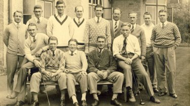 Lieutenant-Colonel William Kyngdon (back row in jacket) with the Australian cricket team (Donald Bradman back left).