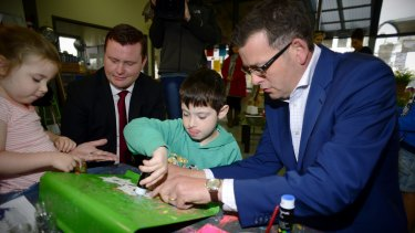 Daniel Andrews campaigning with Labor Mordialloc candidate Tim Richardson.