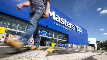 The man who first predicted the demise of Masters says Woolworths let a good opportunity slip through its fingers.
